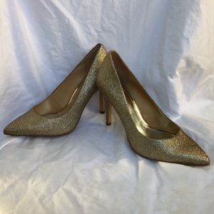 Gianni Bini Gold Glitter Heels Size 8